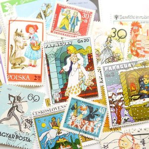 画像1: ラッピングやコラージュに 世界の古切手 おとぎ話 10枚入り
